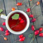 Herbatka z owoców róży